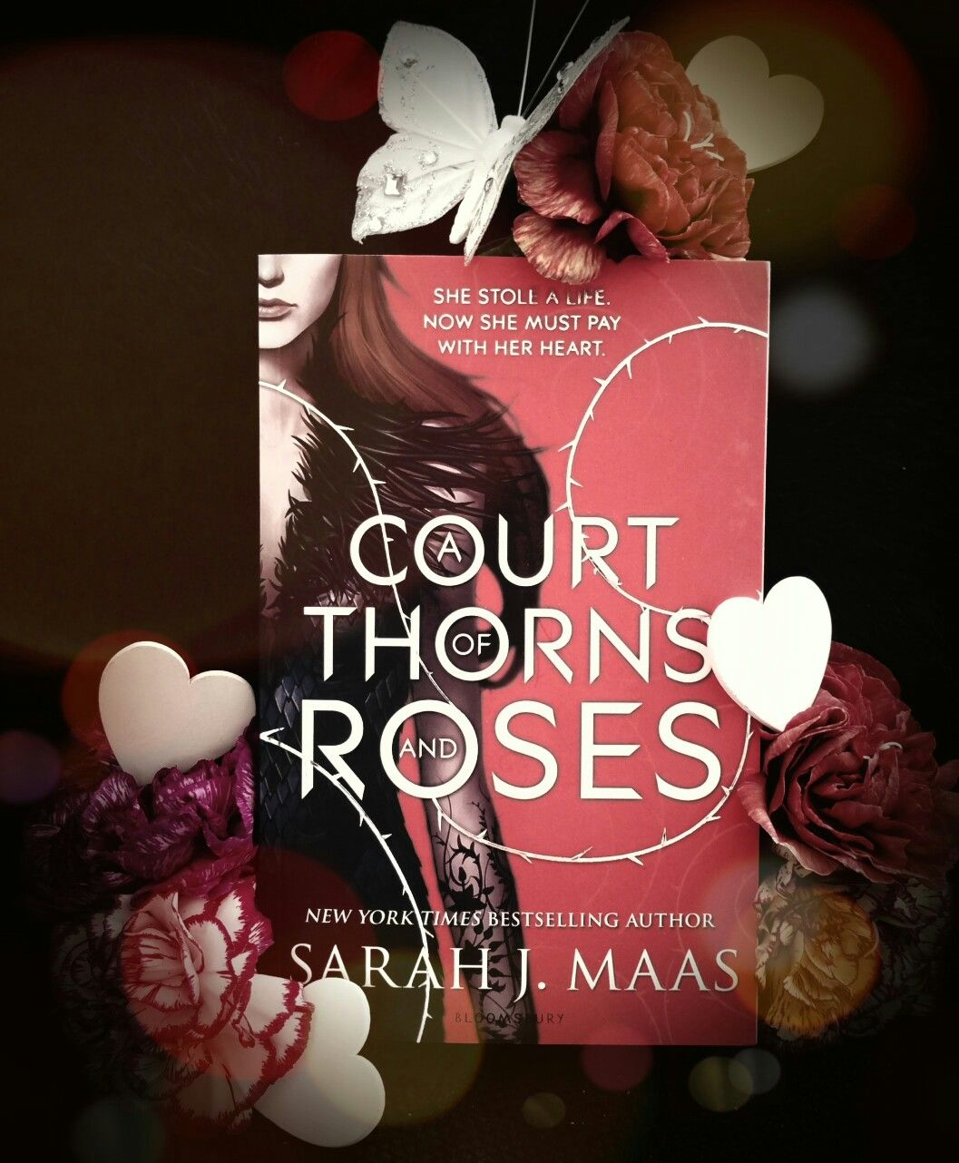 A Court of Thorns and Roses ● Sarah J. Maas