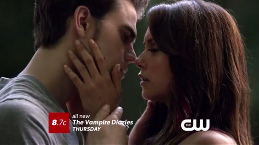 Stefan and Elena Kiss in Vampire Diaries Season 5, Episode 4