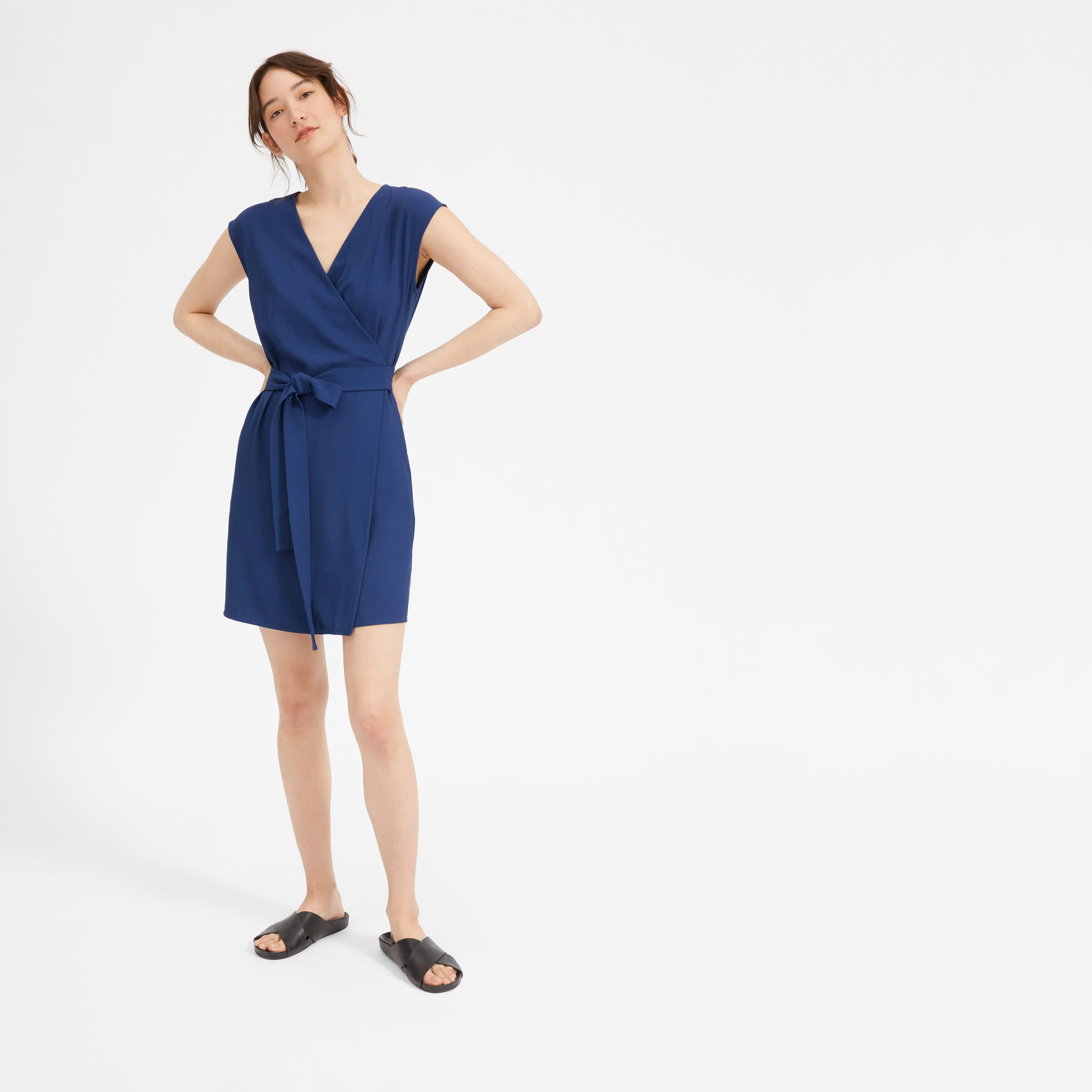 All Wrapped Up A Flattering V Neckline Tie Waist And Versatile Above The Knee Length Make This A Clas Mini Wrap Dress Wrap Dress Outfit Casual Dress Outfits [ 2400 x 2400 Pixel ]