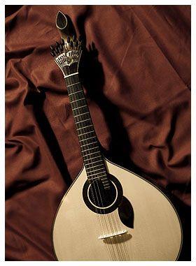 Guitarra De Coimbra Com Imagens Guitarra Guitarras Erudita