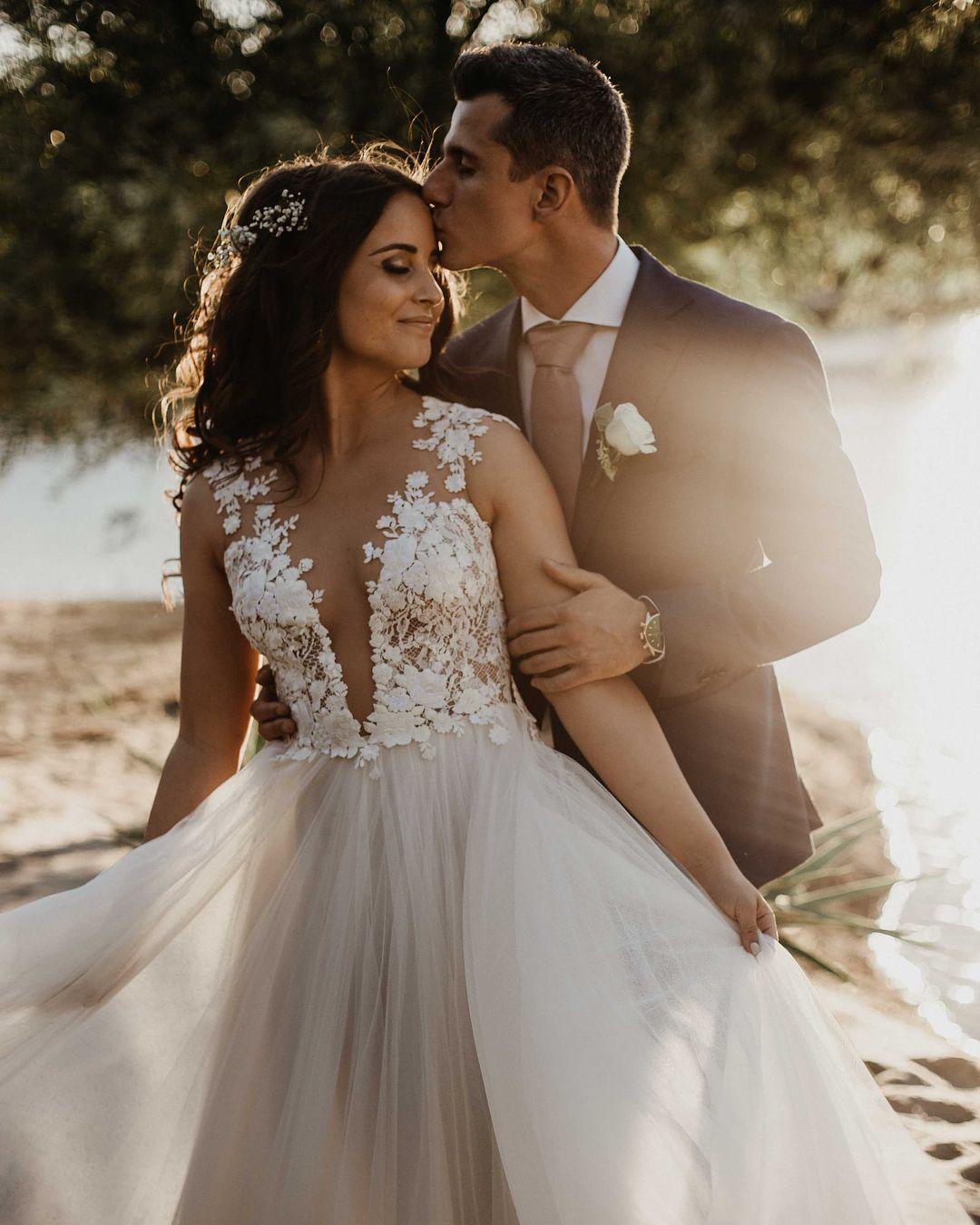 """Photo of Daalarna Couture på Instagram: """"Gratulerer til den vakre bruden vår Szabina! Hun så helt fantastisk ut i sin brudekjole OCN 415 ✨ Bilder: @wearetheclick """""""