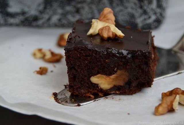 frommarysity: Brownies z červenej repy s orechmi a brusnicami