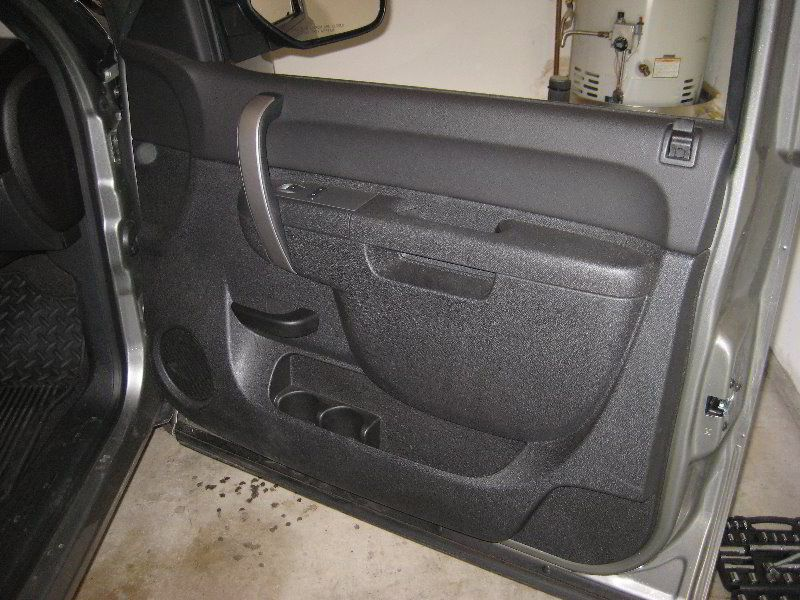 2013 Chevrolet Silverado Front Interior Door Panel Removing To Upgrade Oem Speaker Automotive Chevrolet Silverado Panel Doors Interior