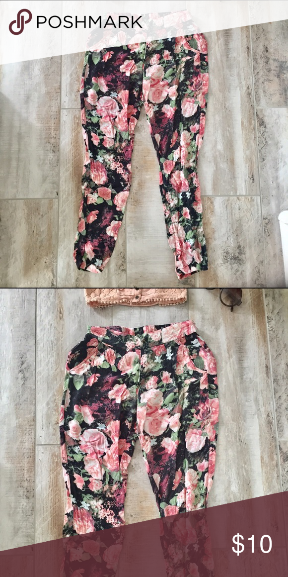 c8166397d6 Rue 21 floral pants Rue 21 cotton floral loose pants. Garterized ...