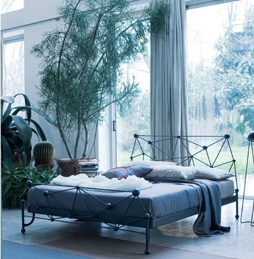 Modern Wrought Iron Bed Astro By Ciacci With Images Bed