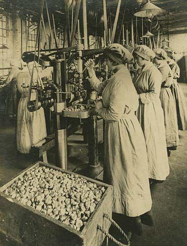 Mills Munitions Factory Birmingham C 1915 1918 Women In History World War I World War One
