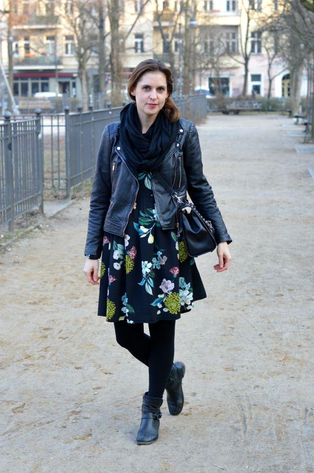 Sewionista: Boxhagener Platz, Berlin - Bikerjacke trifft Blumenkleid ...