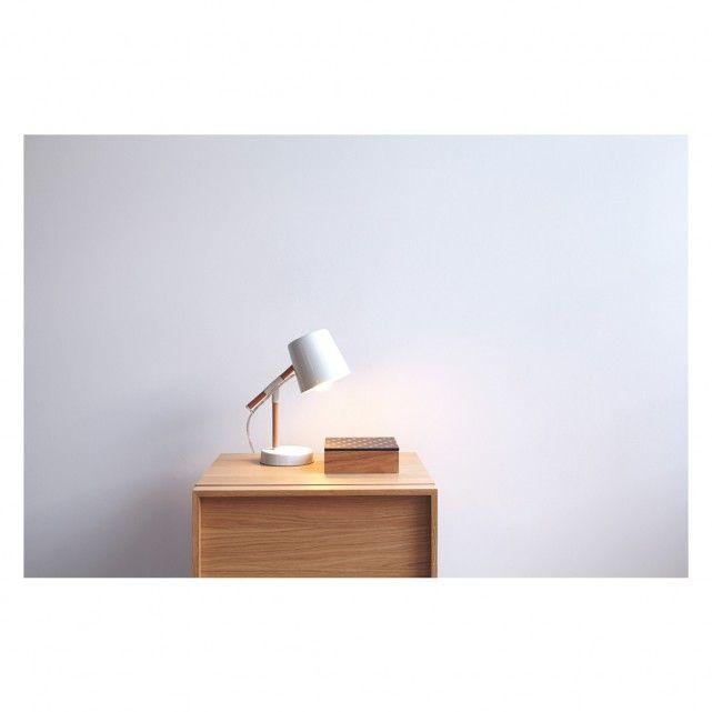 Peeta white metal and wood desk lamp