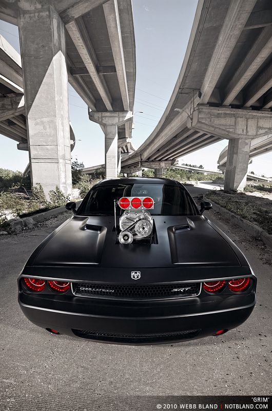 Introducing Grim Aka Dodge Challenger Srt Avec Images Voitures Musclees Voiture Sportive Voitures Porsche