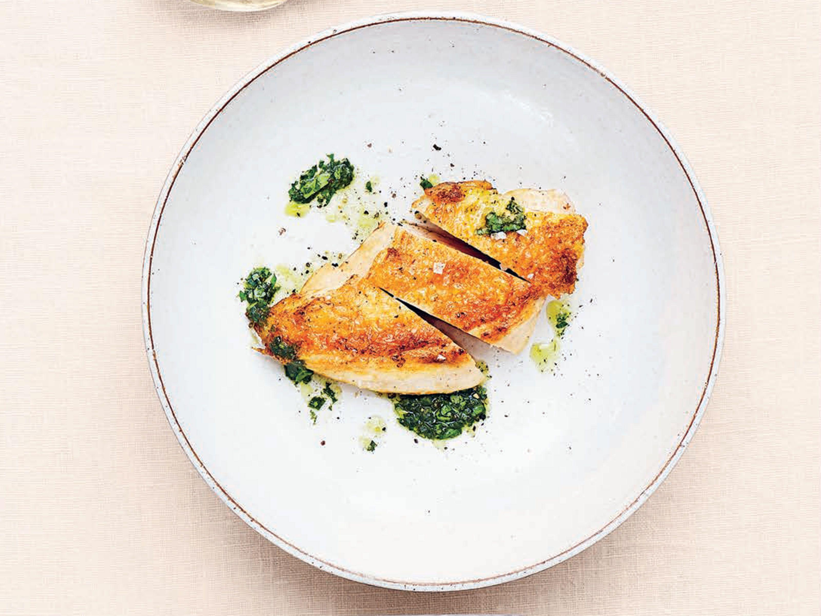 Kyckling med basilika- och citronolja samt mozzarellagratinerad broccoli och tomat | Recept från Köket.se