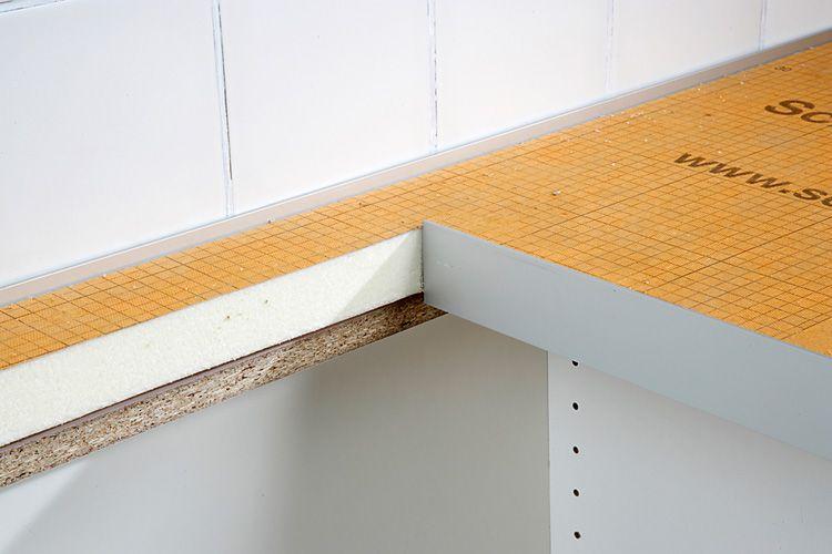 Die Kanten Des Spulenausschnitts Bekleben Sie Mit Einer 50 Mm Alu Winkelleiste Verwenden Sie Dafur Ei Arbeitsplatte Outdoor Grill Kuche Betontischplatten