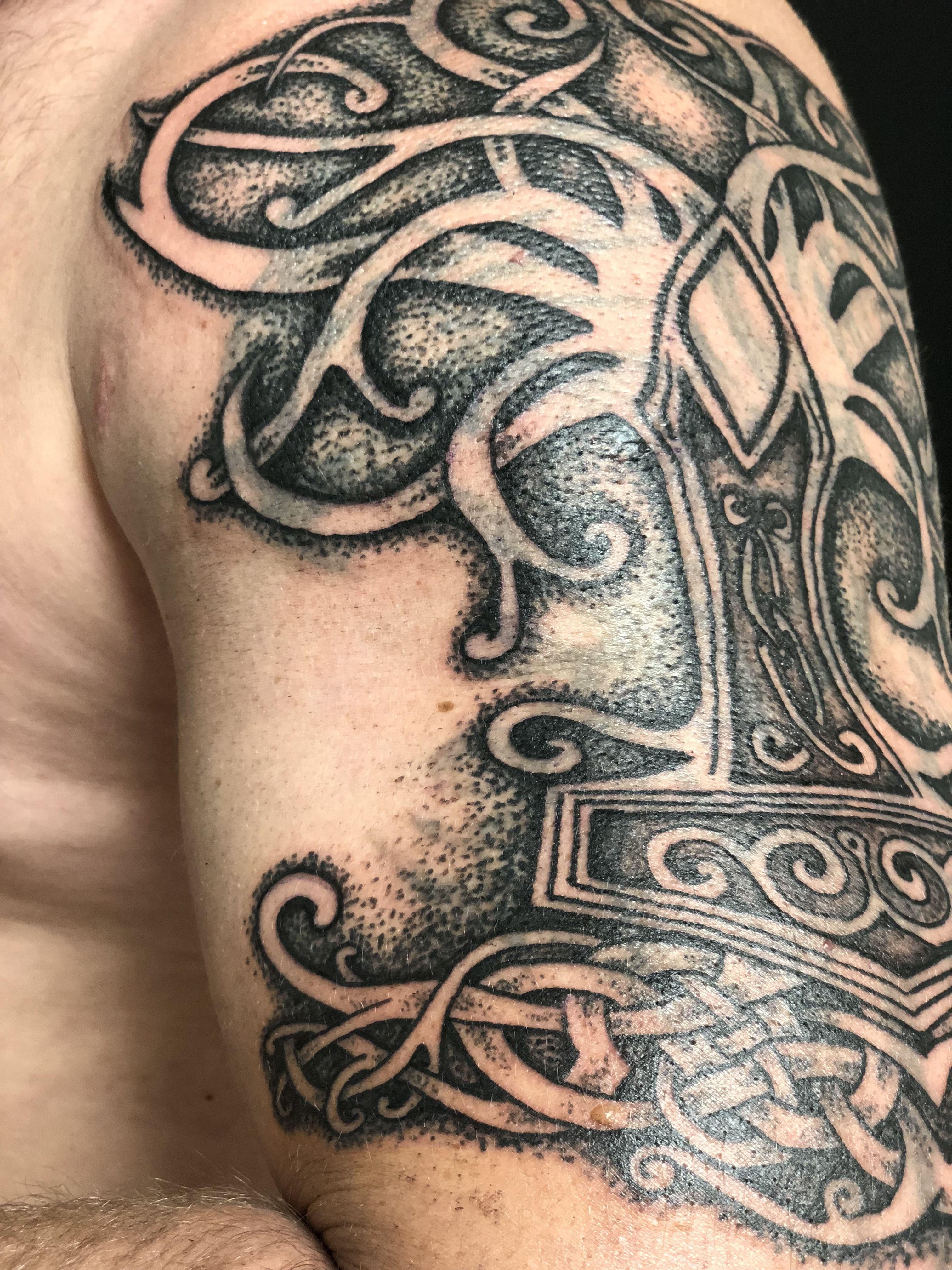 Yggdrasil Mjolnir Tattoo Arttatoo Mjolnir Yggdrasil Norse