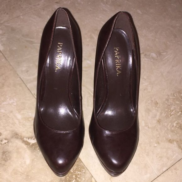 91223a34f7e8 Brown pumps Brown pumps with 5