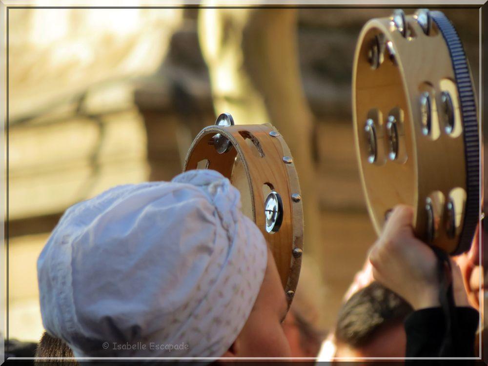 Les tambourins de Provence...    http://mistoulinetmistouline.eklablog.com/