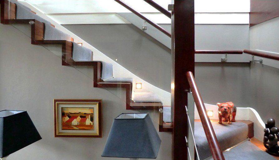 Habillage D 39 Escalier B Ton Avec Marches Et Contremarches En Bois Teint Escalier B Ton Ou