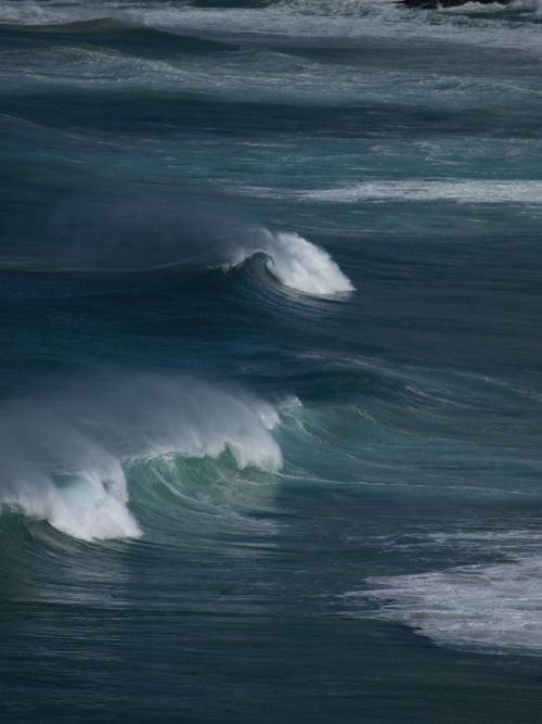 Gently Rolling Waves at Sea!