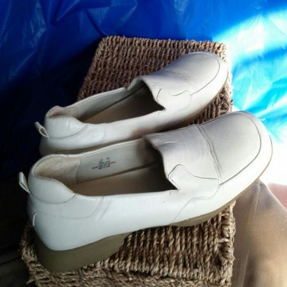 Shoes Cream colored loafers, leather upper Wesley & Co. Shoes Flats & Loafers