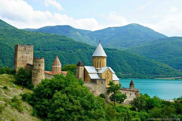 Georgien - Festung Ananuri - Sehenswürdigkeiten - Reisen - Reisetipps