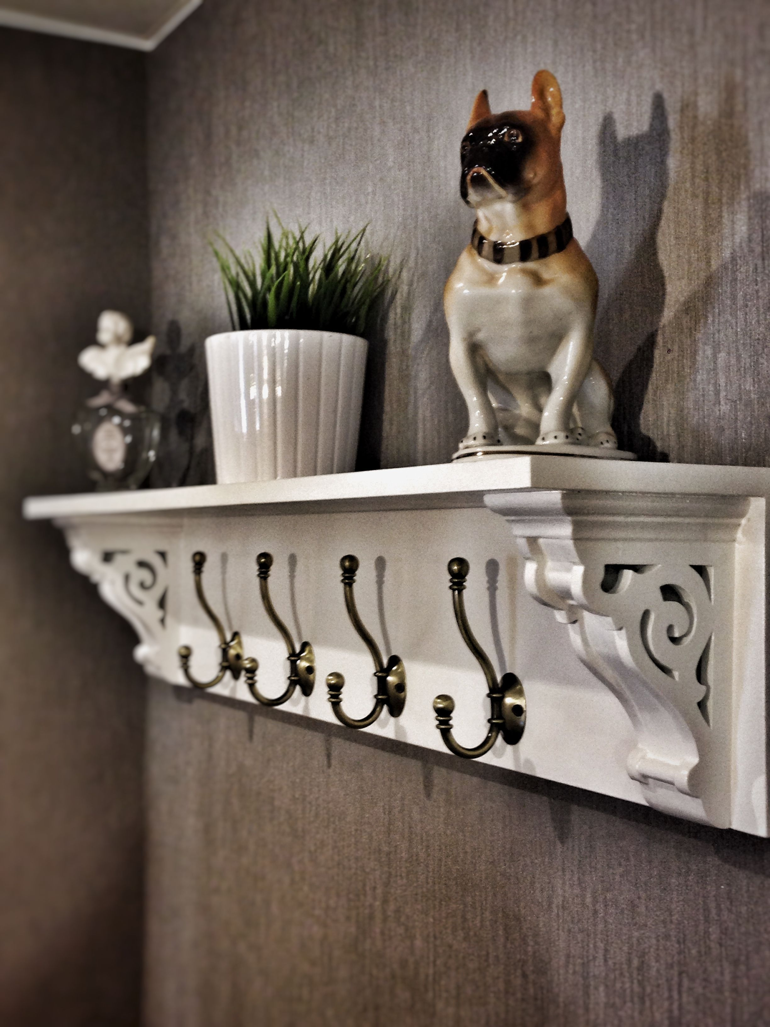 Shelves White Walls And Entry Ways: Farmhouse Coat Rack With Hooks And Corbels White Diy Entryway #coatracksentryway In 2019