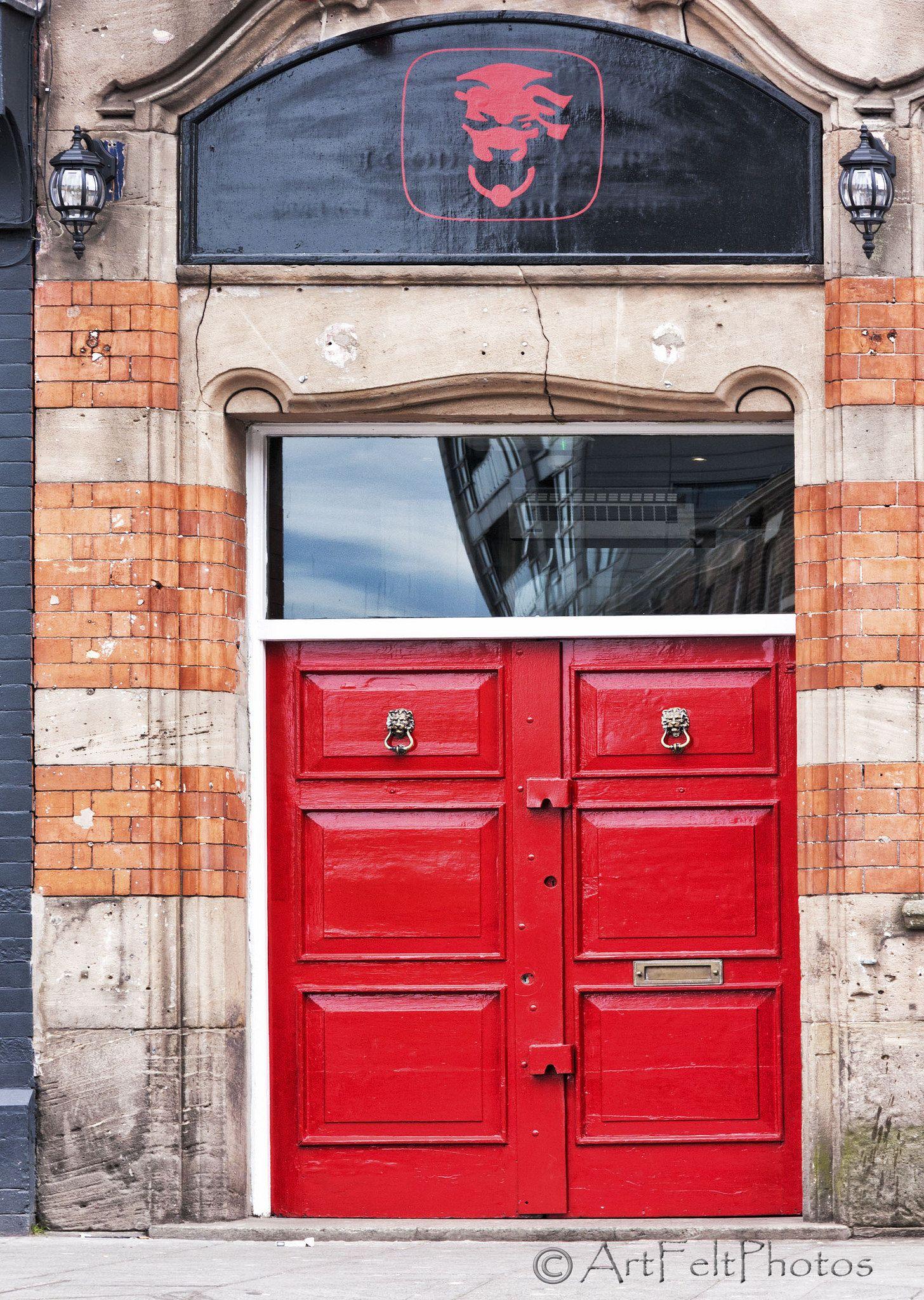& 12712-red-door-liverpool