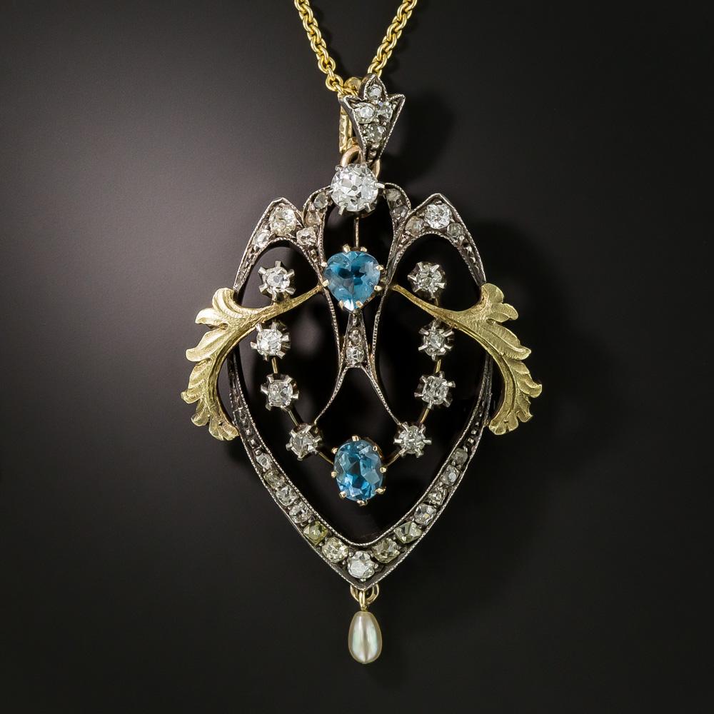 Photo of Kunstvoll gestaltet und handgefertigt in Silber über Gold, ist dieses exquisite …