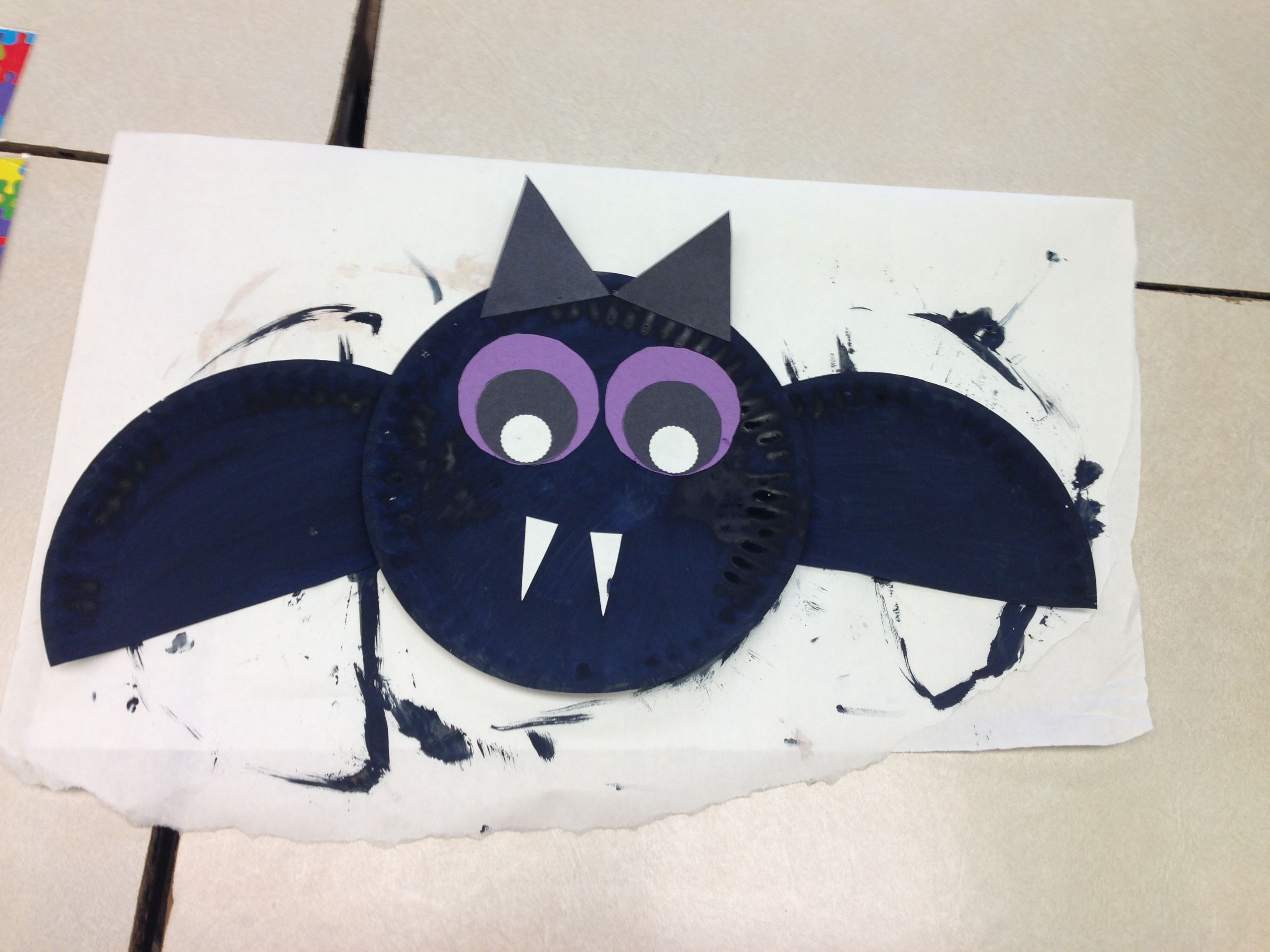 Bat paper plate craft Trying this at .smartboardideas.com & Bat paper plate craft Trying this at www.smartboardideas.com ...