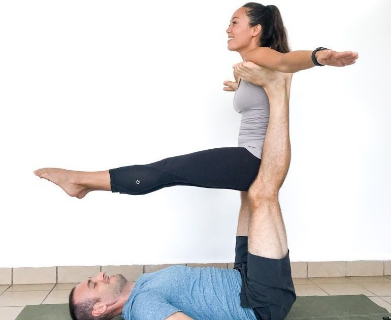 Couple S Yoga Poses 23 Easy Medium And Hard Duo Yoga Poses Improve Communication In Relatio Yoga Poses For Beginners Two People Yoga Poses Yoga Poses For Two