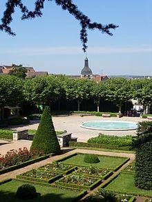 Montlucon Le Jardin Wilson Jardins Villa Visite