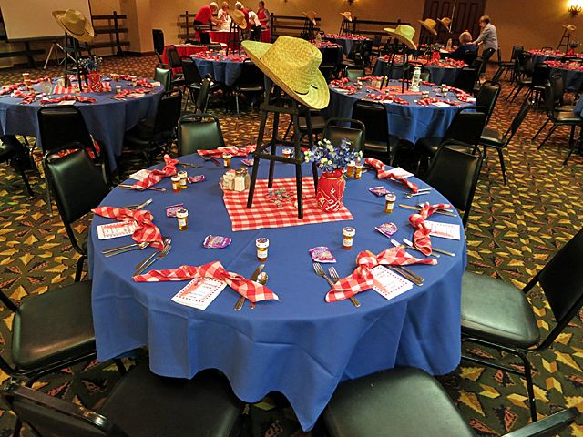 Cowboy christmas table decorations for Decoration western country