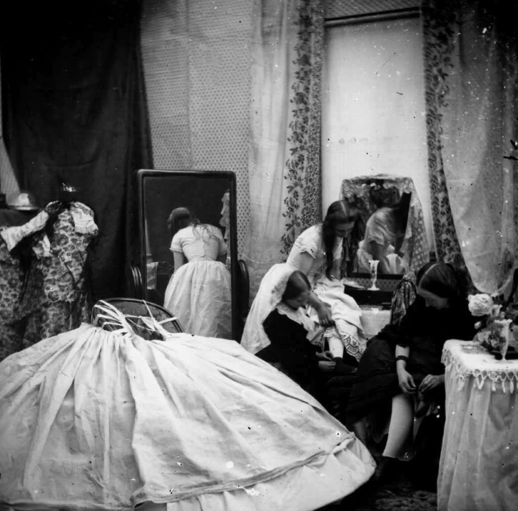 Circa 1865 The Interior Of A Victorian Boudoir Photo London Stereoscopic Company Getty Images Hulton Archive Poster Prints Victorian Photo