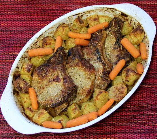Ingrediente Principal Mostaza Dijon Saludos a todos los fans de Sazón Taíno hoy les traigo una receta que les va a encantar. Chuletas de Cerdo en Mostaza Dijon es una receta muy fácil de confeccionar con pocos ingredientes, pero muy rica en sabor. Espero que la disfruten! Con Mucho Cariño desde la Cocina de Remy. Comparte el Sazón con otros…. Más de Sazón Taíno Chuletas de Cerdo a la Cacerola Arroz con Chuletas a la Cacerola Saludos a todos esos fanáticos de la comida! Hoy les traigo una ...