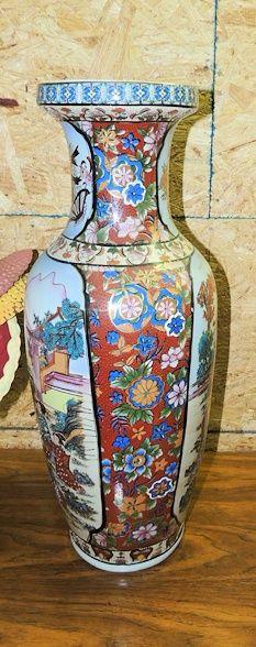 Large orenital vase familea