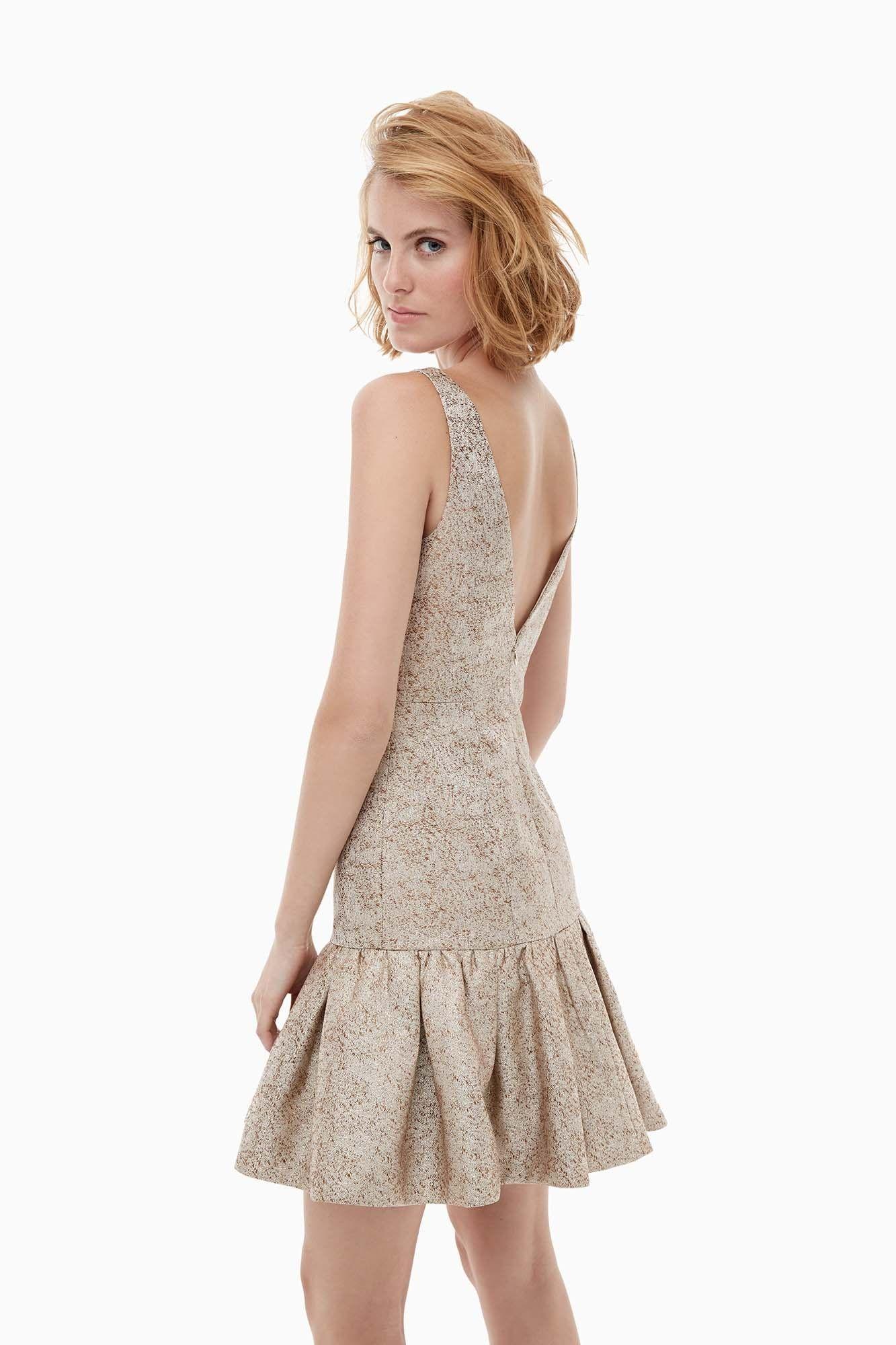 Vestido entallado con brocado dorado colecci n adolfo for Vestidos adolfo dominguez outlet online