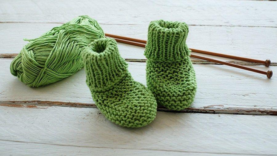 Calcetines de bebé fáciles tejidos con agujas rectas (no circulares ...