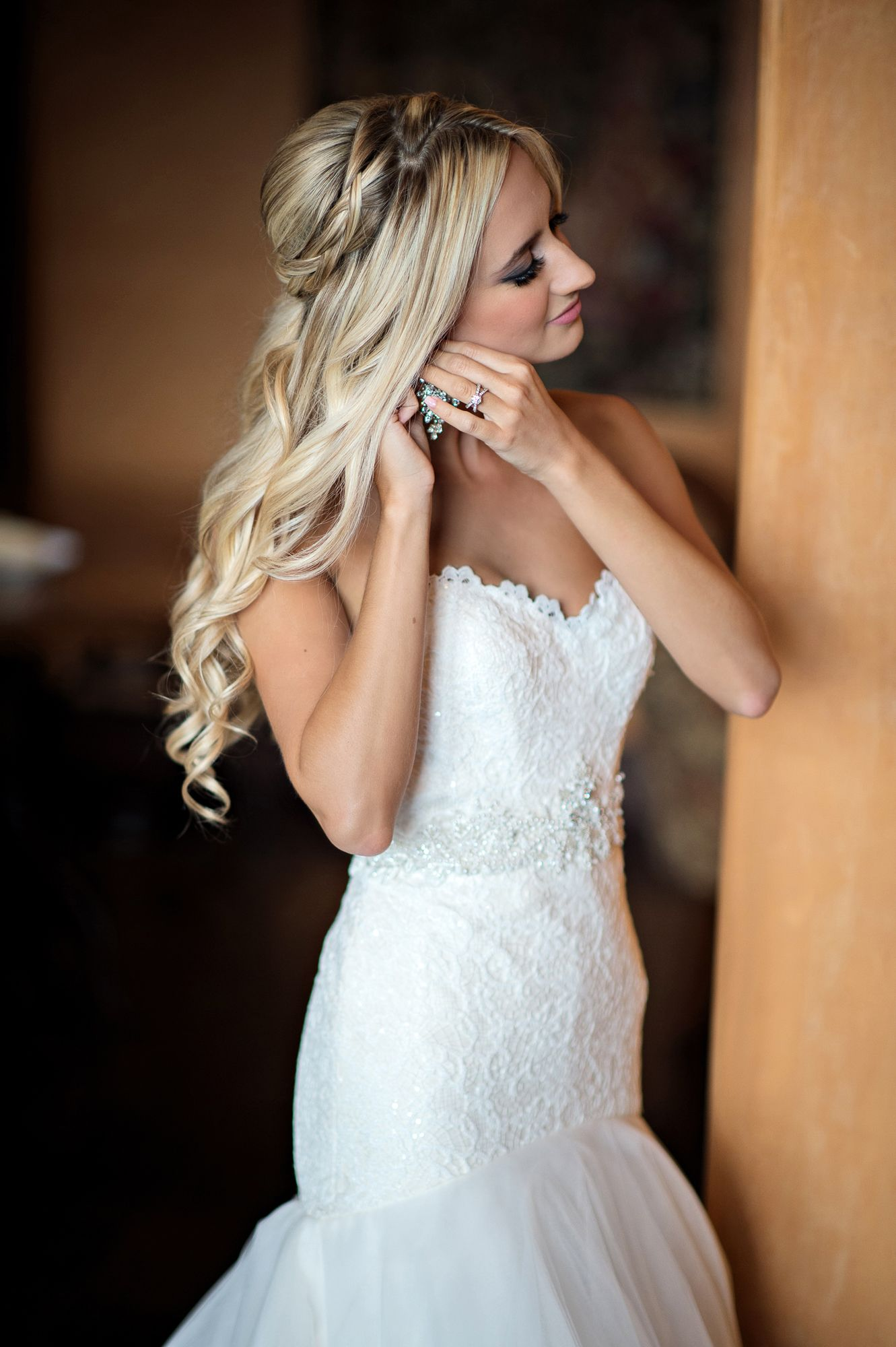 how to wear your hair down on the wedding day   wedding hair