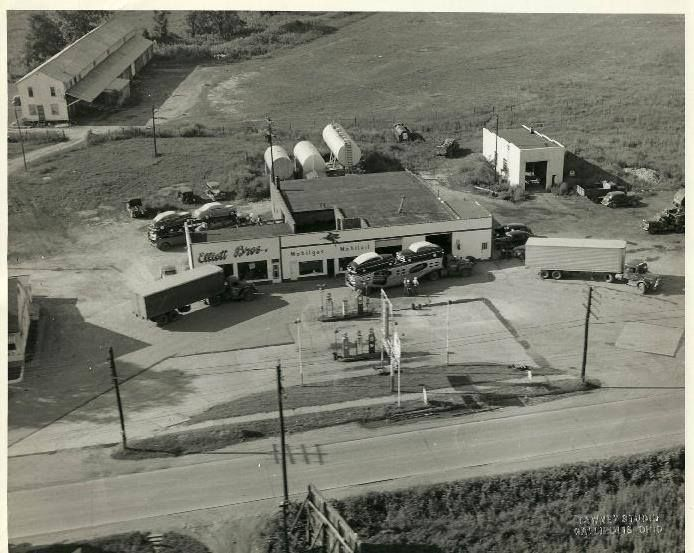 Gallipolis Oh Circa 1950 Gallipolis Terminal A Mobil Truck Stop Ehe Lower Left Is The Old Bob Evans Steak House Victoria Australia Race Track Old Things