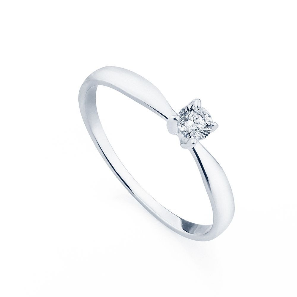 Anel em Ouro Branco 18k Solitário com Diamante de 15 pontos. #fashion #ouro #aneldenoivado #ourobranco #diamante