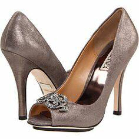 Pewter Heels For Wedding: Badgley Mischka Shoes, Size 7 Color Is Pewter. Material Is