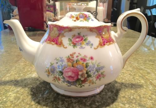 Royal Albert Lady Carlyle Tea Pot Porcelain China https://t.co/2N5pIA53PA https://t.co/VArq8mGYzc