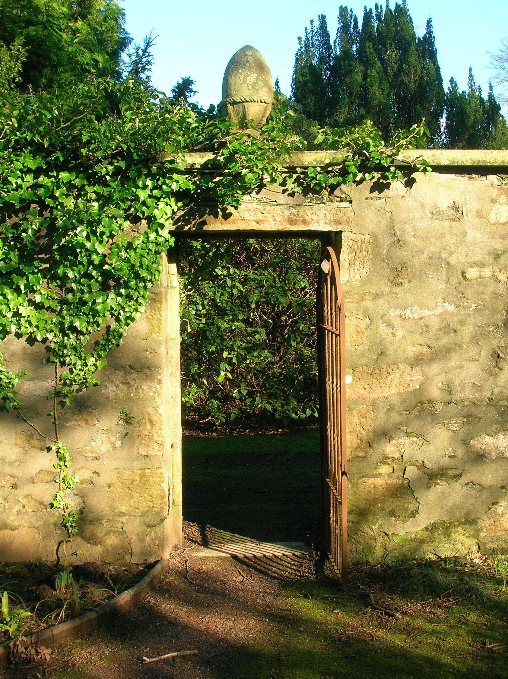 Rock Wall Garden | File:Perceton wall garden door and pineapple.JPG ...