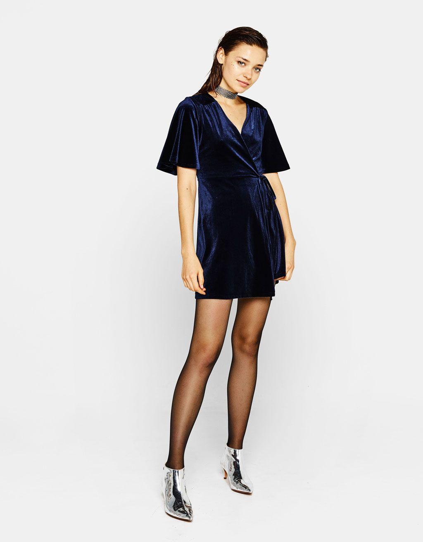 38bd2dbbee59 Short velvet wrap dress - Dresses - Bershka United Kingdom