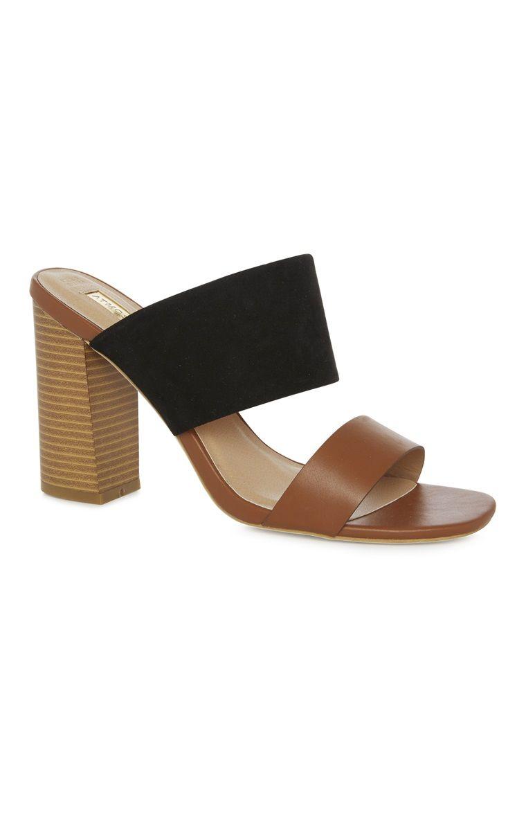 Primark - Zweifarbige Sandaletten mit Blockabsatz