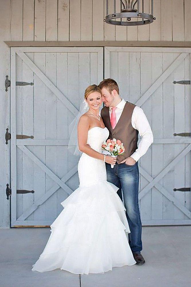 b9b863b43 27 Rustic Groom Attire For Country Weddings | Vow Renewal | Wedding ...