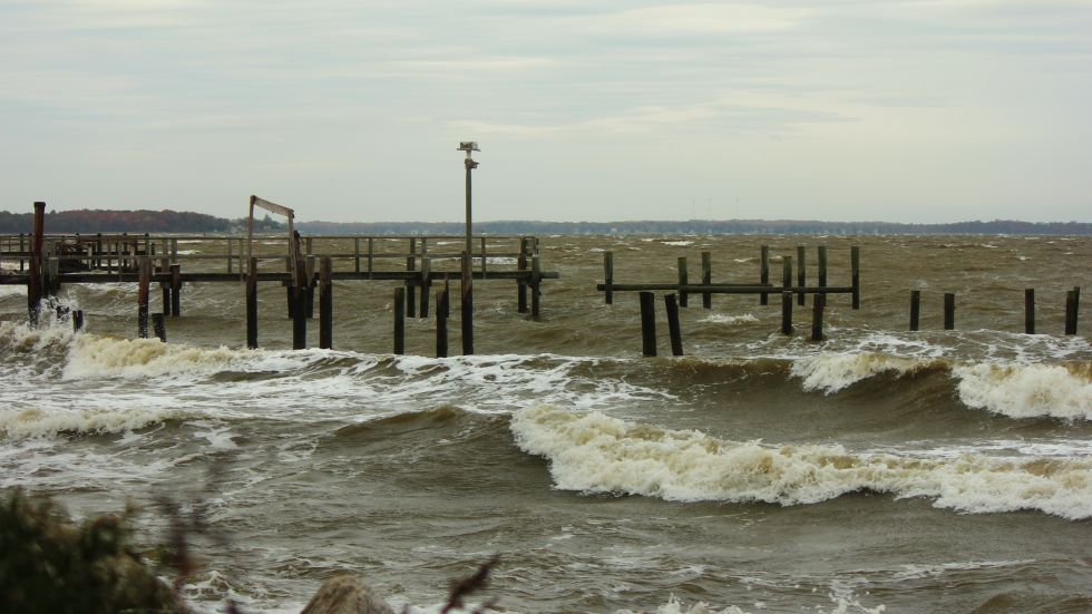 The Chesapeake Bay In Shady Side Md Faces Damage And High Waves From Sandy