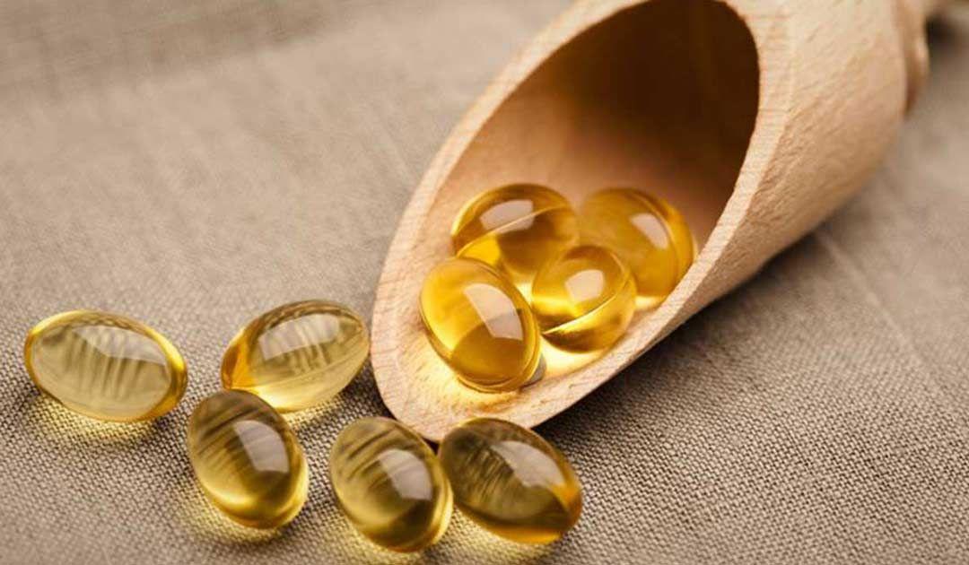 فوائد كبسولات فيتامين هـ للبشرة In 2020 Vitamin E Diy Moisturizer Vitamins