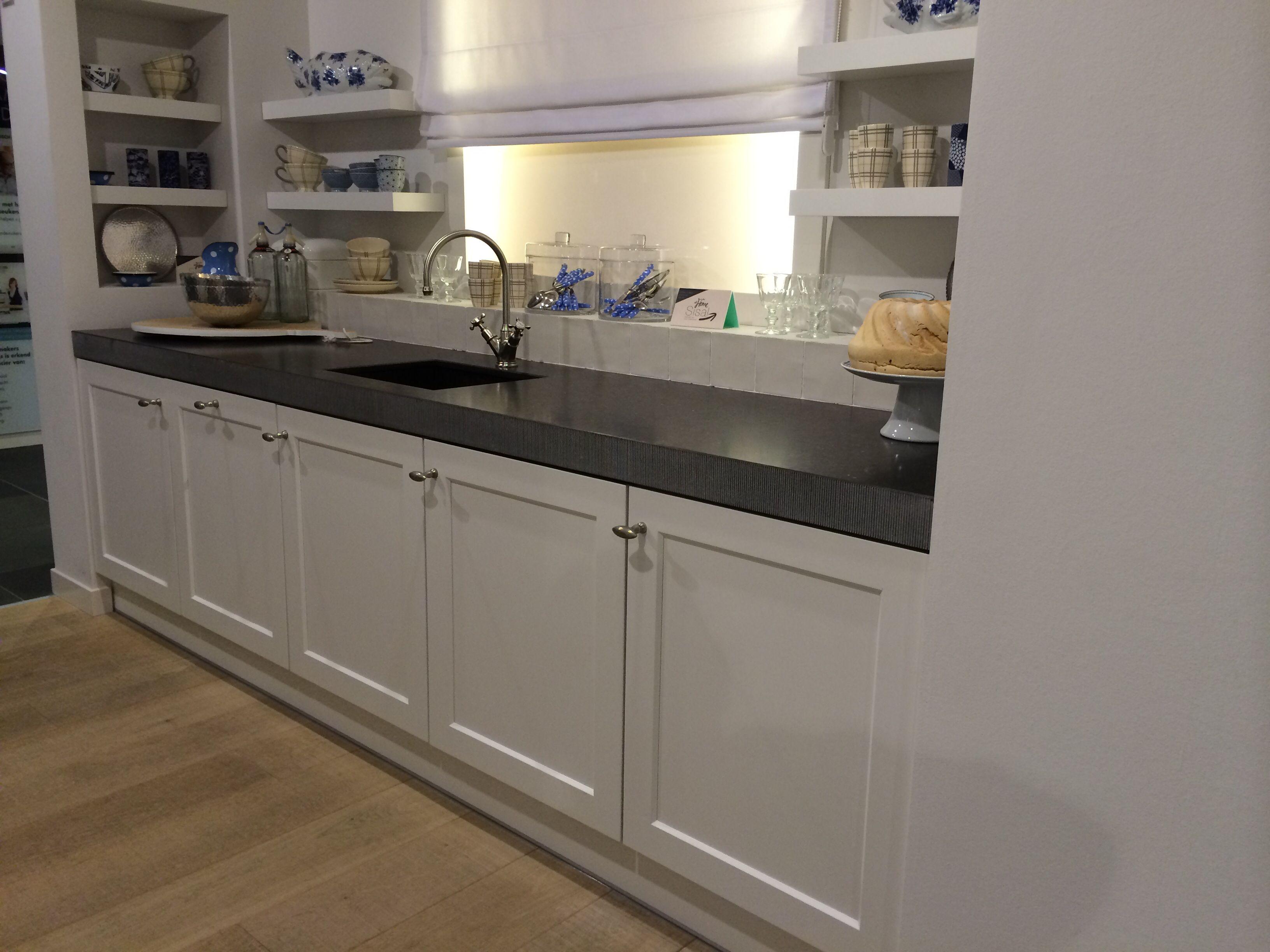 Spiksplinternieuw Onze keuken, landelijk en stoer. Ariadne at home keuken sisal MF-85