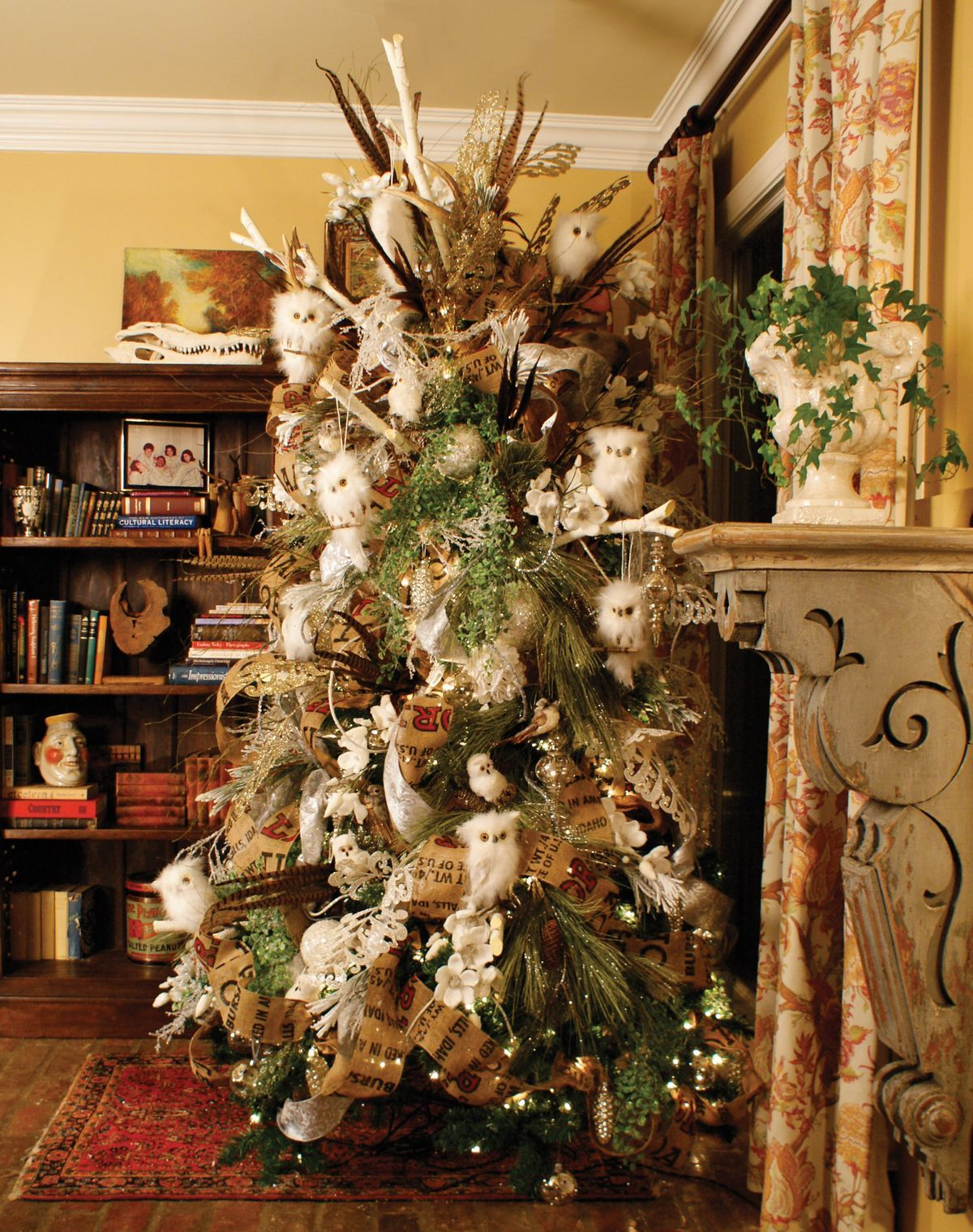 love this woodsy tree with owls - Woodsy Christmas Tree Decorations