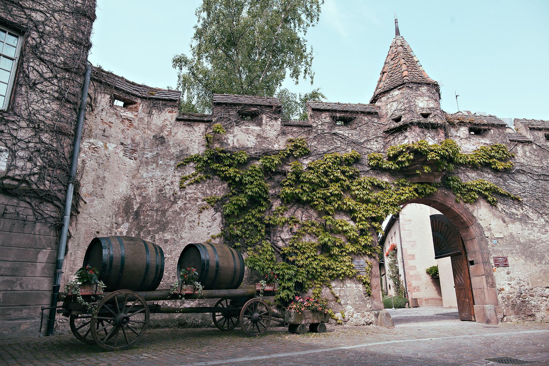 Visites De La Confrerie Saint Etienne A Kintsheim Elzas Frankrijk