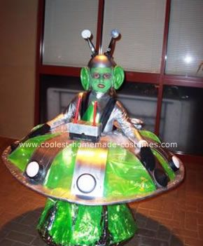 Coolest Homemade Alien In A UFO Costume