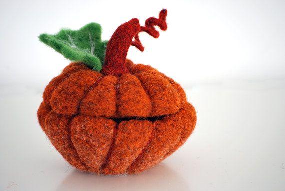Pumpkin of wool with lid for money keys or di nearteneparte